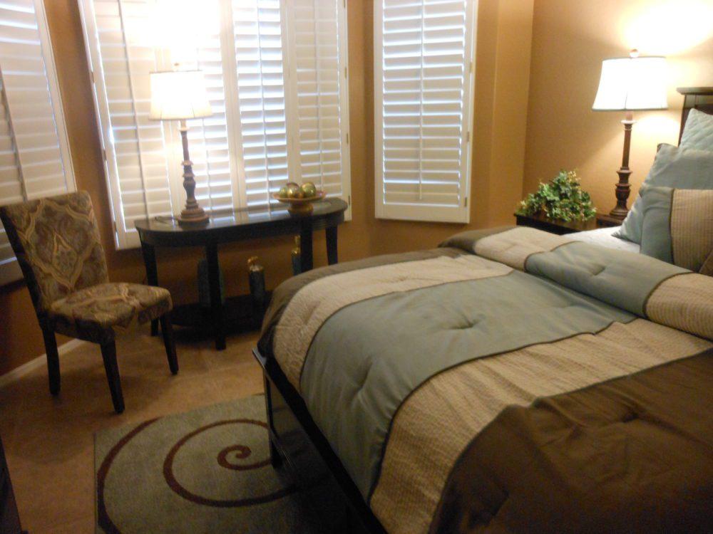 2373 E. Santiago Tr. Guest Room