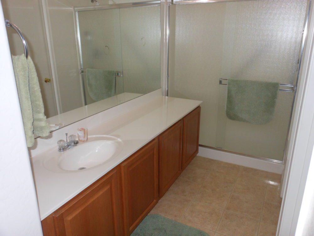 2400 E. Hancock Tr. Master Bathroom