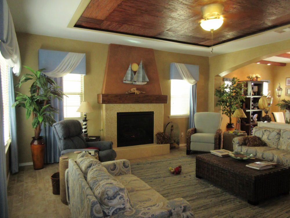 961 E. Penny Ln. Great Room