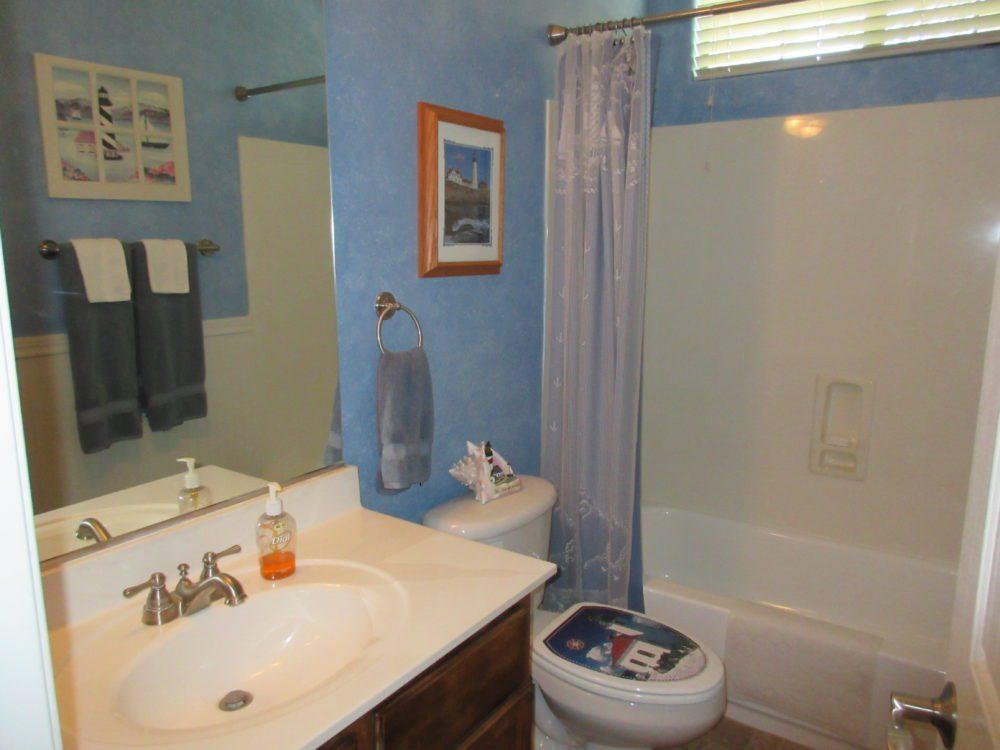 961 E. Penny Ln. Guest Bathroom