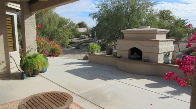 2441 E. Durango Dr. Outdoor Fireplace (image)