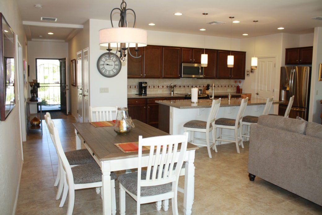 14 Dining Kitchen